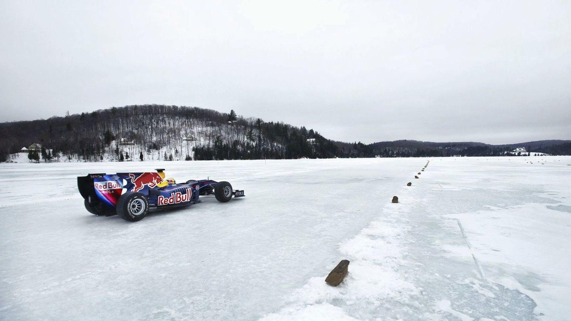 Num grande premio de formula 1 participam 20 pilotos